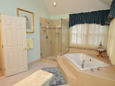 Bathroom_2_225x169_DeStefino.jpg